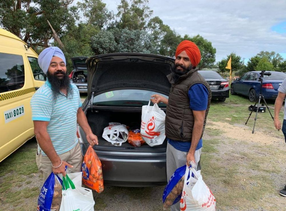 Sikhs Around the World are Helping Thousands of Elderly People in Self-Isolation